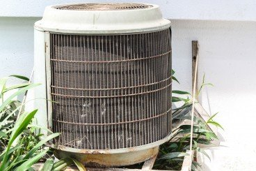 old central air conditioning unit